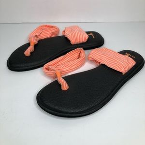 Sanuk Yoga Footbed Sling shoes Sz 7 Stripe Sandals
